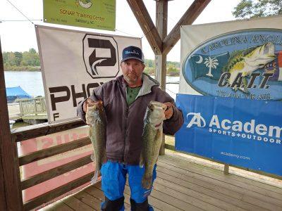 Tournament Results Yadkin High Rock Lake, NC Oct 19, 2019 Terry James & Robbie Burr Claim the Top Spot! 18.91 lbs $1,330.00! 38 Teams!